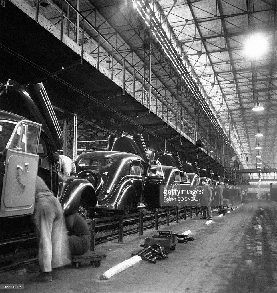 1938. Сборочная линия на заводе Рено