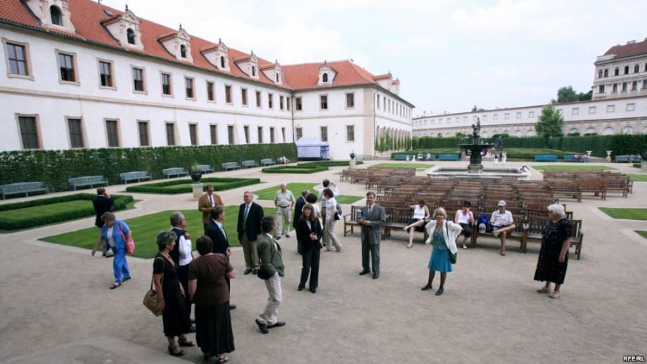 В парламенте Чехии осудили позицию Земана относительно Крыма