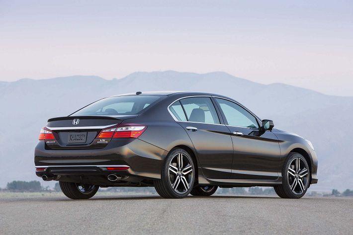 Honda отзывает более 2,1 млн автомобилей Accord по всему миру