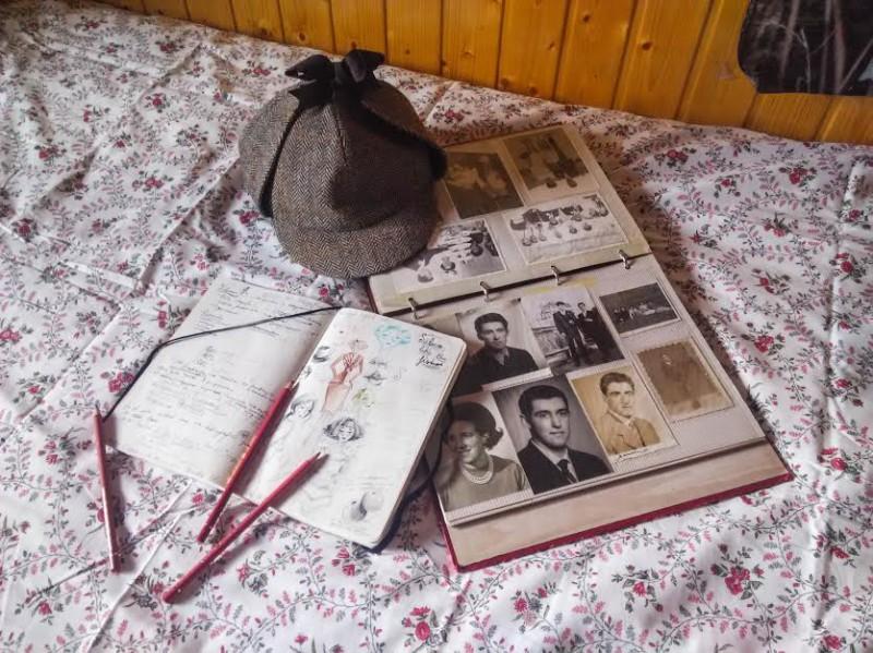 Имя: Сильвия Возраст: 18 Страна: Испания Занятие: студентка Список: шляпа Шерлока; альбом с детскими