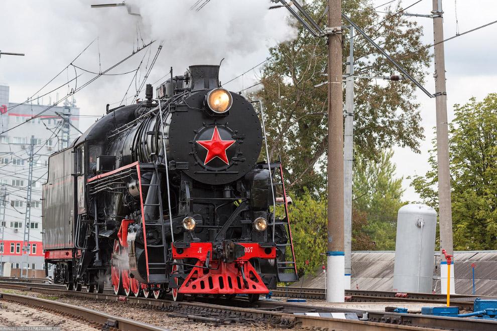 7.  Су — советский пассажирский паровоз типа 1-3-1 , выпускавшийся с 1924 по 1