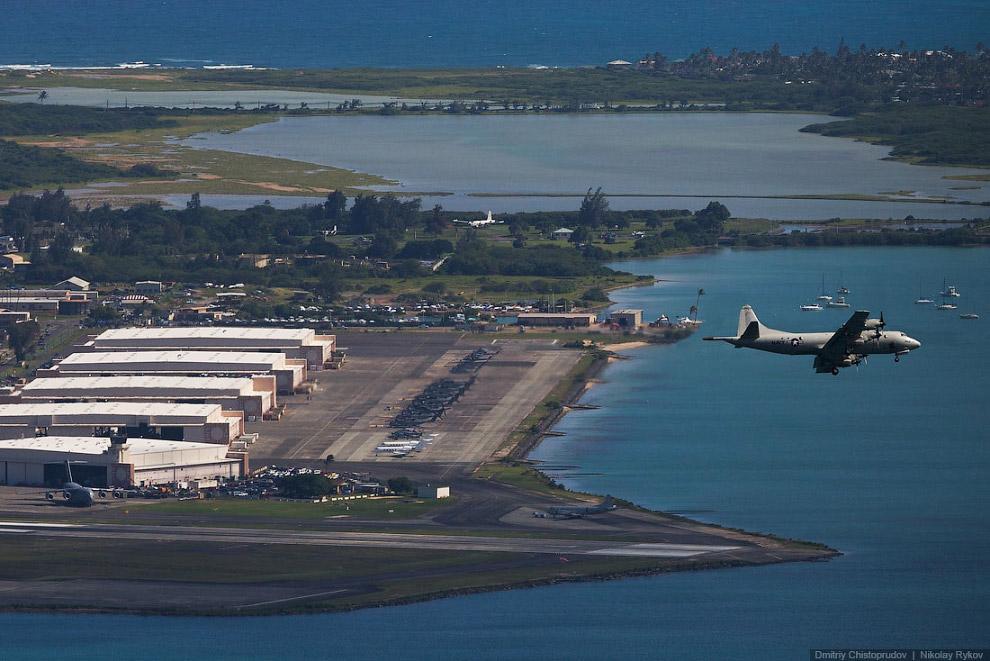 17. Контейнерный терминал на Песочном острове.