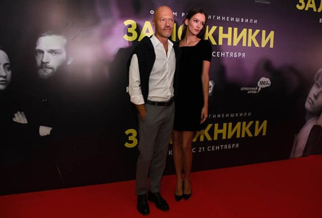 Первый выход Бондарчука и Паулины Андреевой после сообщений о расставании (3 фото)