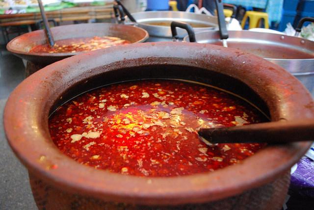 Во вьетнамской кухне для приготовления некоторых супов используется кровь— гусиная, утиная или сви