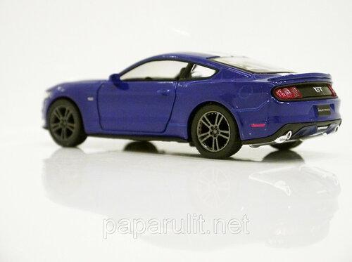Kinsmart Ford Mustang GT 24.jpg