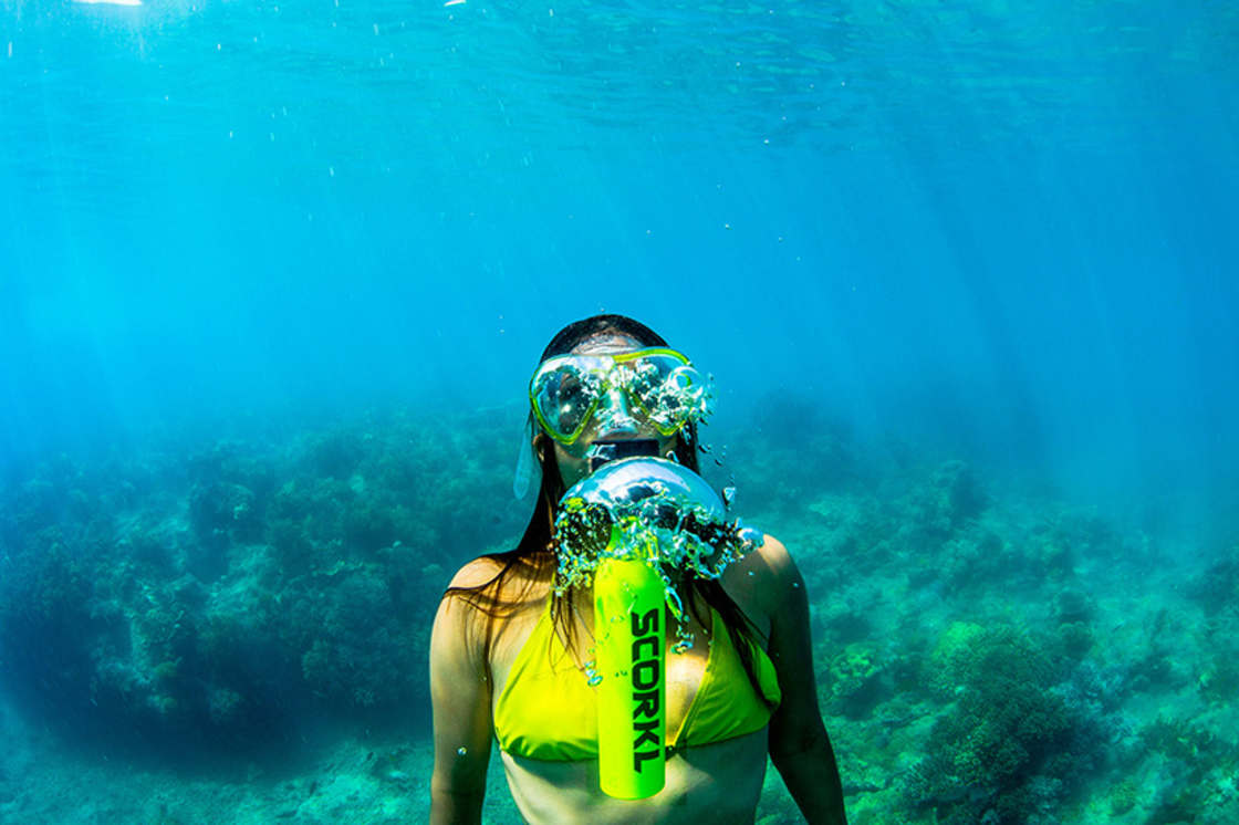 Breathe underwater for 10 minutes with this revolutionary gadget!