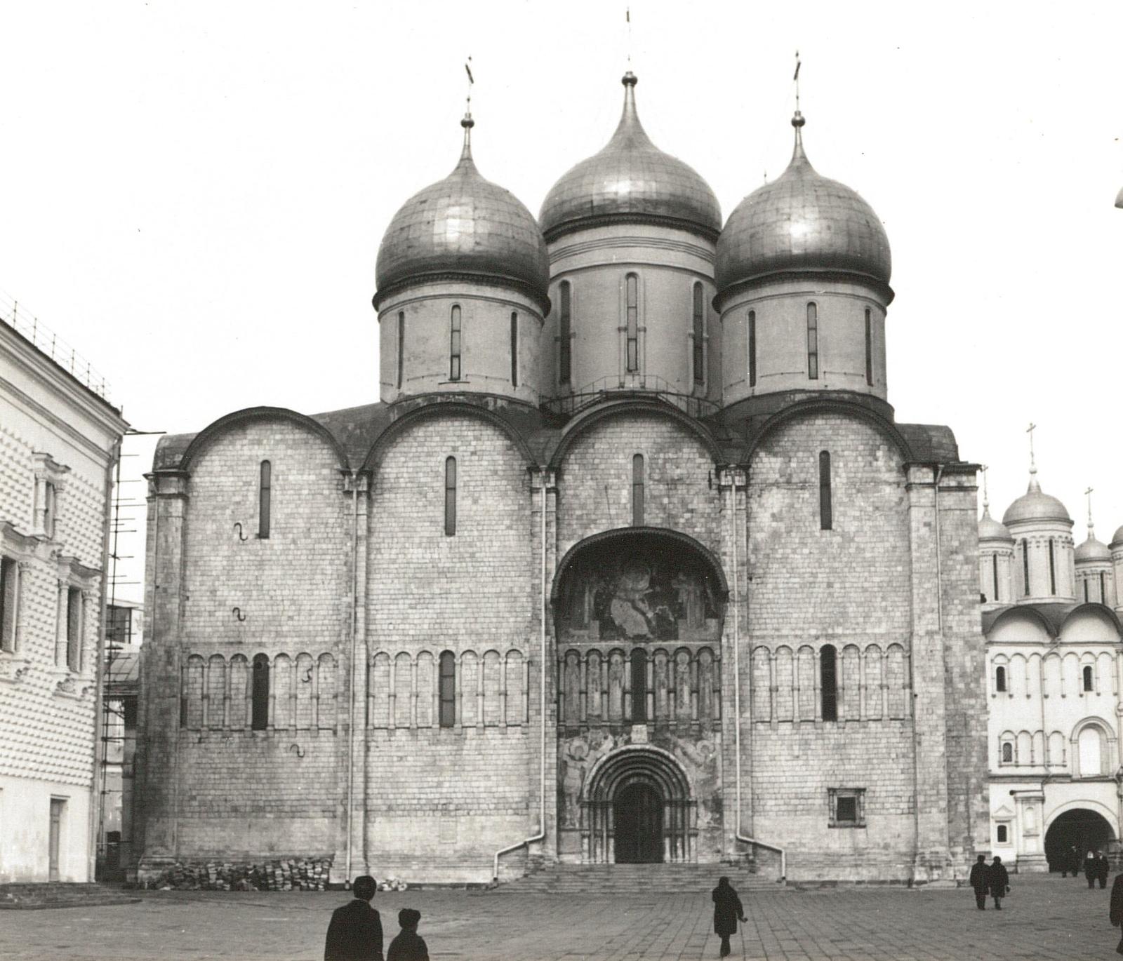Москва. Кремль. Успенский собор