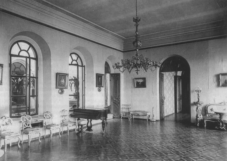 Гостиная особняка Кузнецова