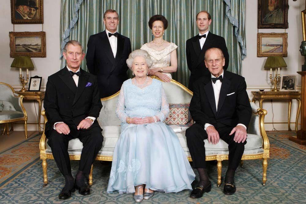 А вот их дочь королева Елизавета II и ее муж Филипп стали родителями четверых отпрысков: Чарльза, пр
