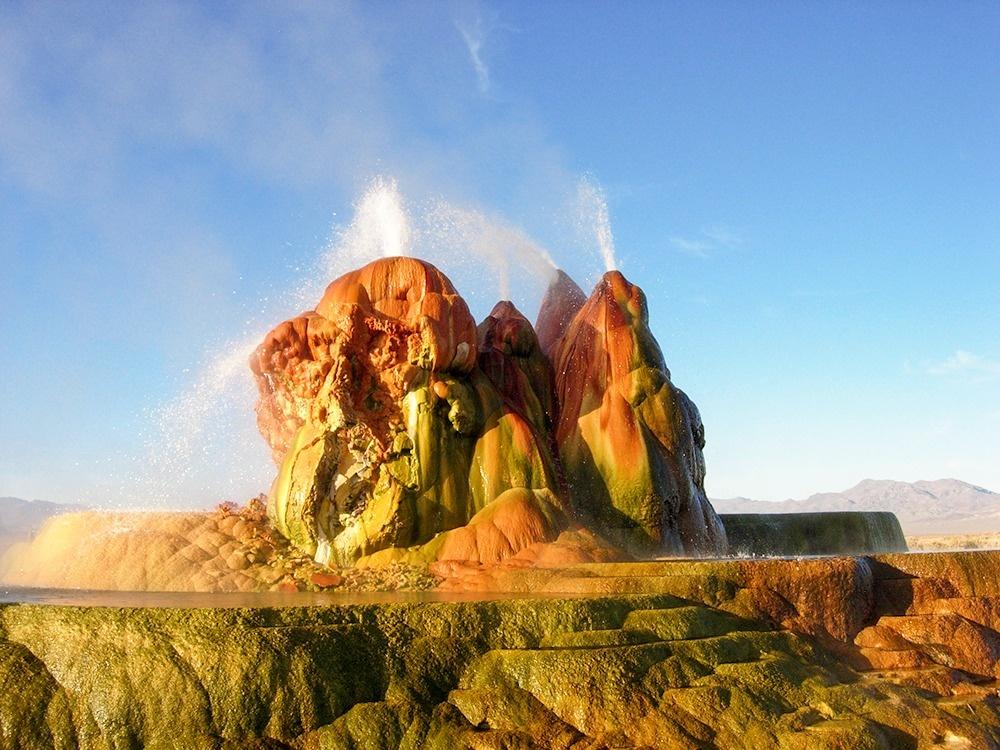 © Ken Lund/flickr     Геотермальный источник Флай образовался благодаря вмешатель
