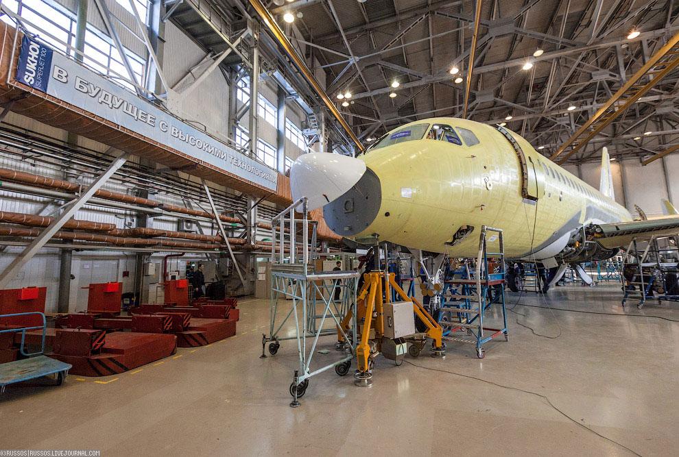 Уникальность самолета Сухой Суперджет 100 в том, что впервые в мире для самолетов такого клас