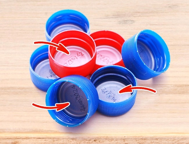 © depositphotos  © depositphotos     Такой диск можно обнаружить вкрышечках бутыло