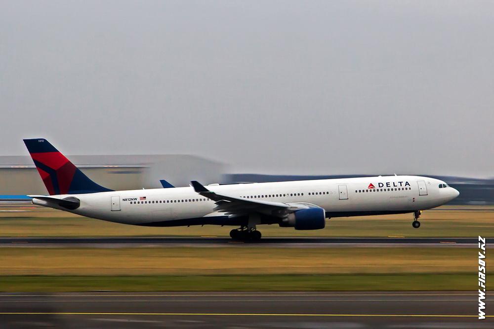 A-330_N812NW_Delta_1_AMS.JPG