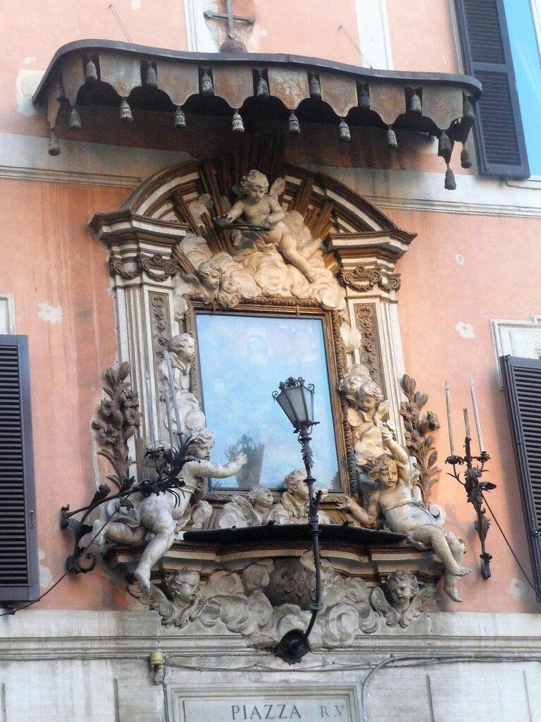Мадоннелла на Piazza di Tor Sanguigna