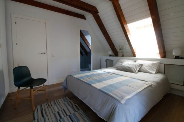 At first we found a typical weekend apartment in the Aragonese Pyrenees with sloping ceilings lined