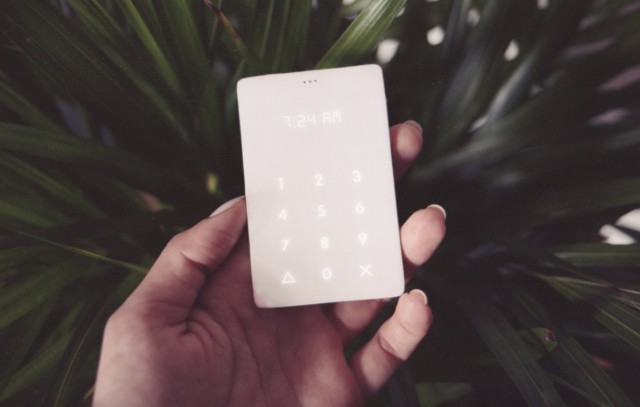 Ultra-minimalist Phone to Get Free