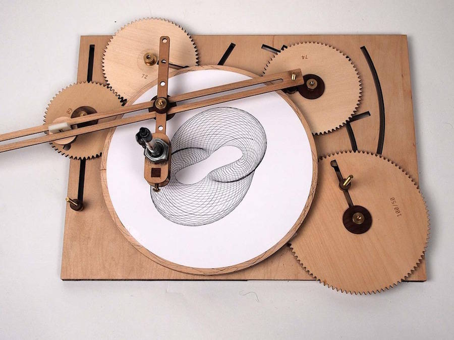 Ingenious Geometric Designs with a Wooden Drawing Machine (5 pics)