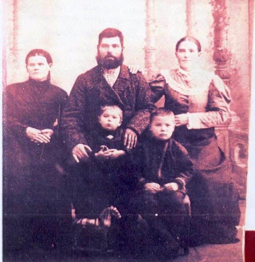 Групповое фото последнего монокского Атамана Байкалова Анания Ильича