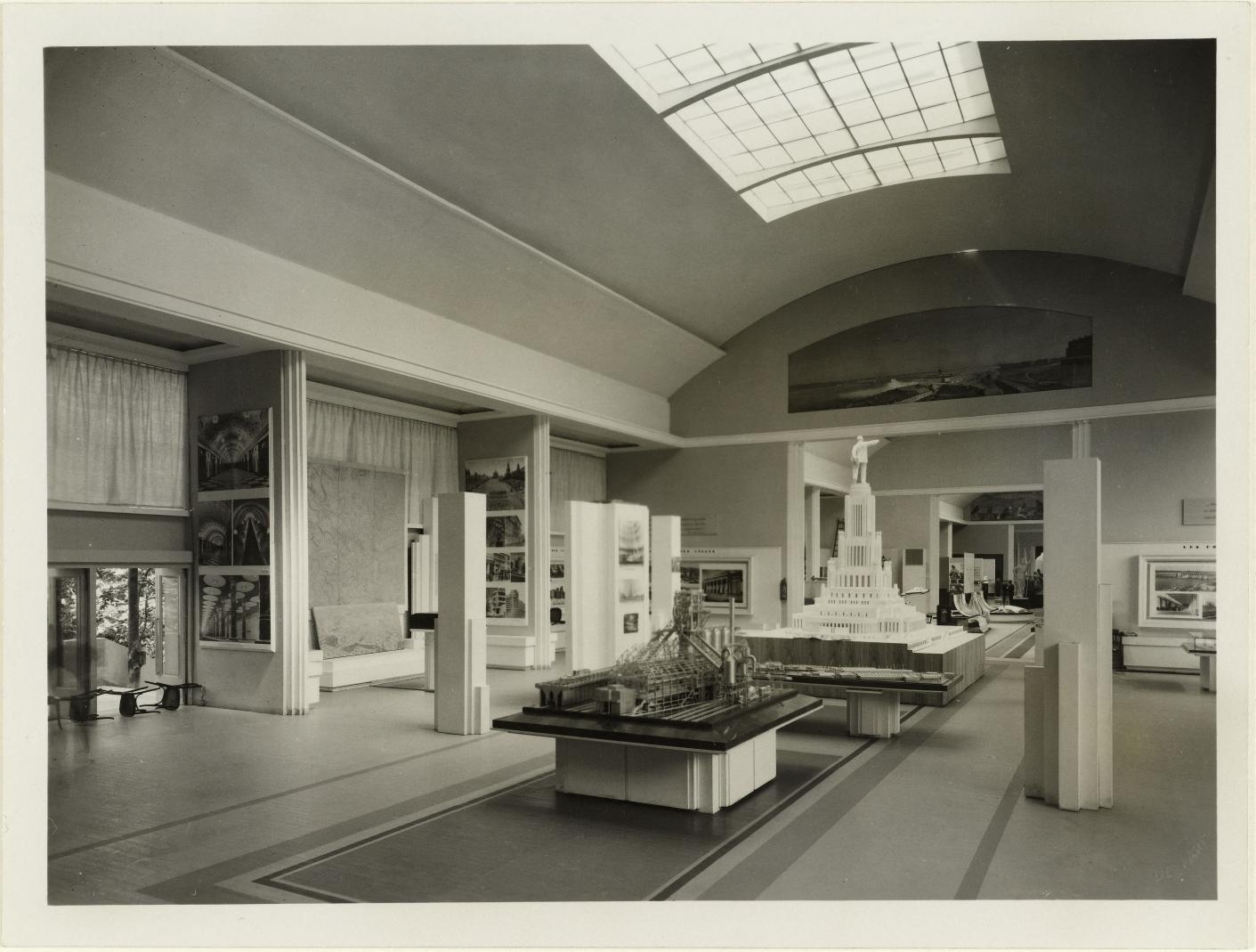 Модель и фотографии Дворца Советов
