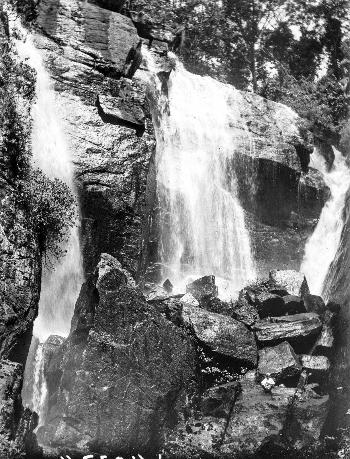 89. Водопад в Мамбе