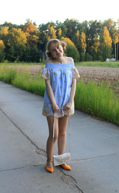 Платье - Zara, туфли-лодочки- H&M, сумка - Accessorize, серьги - H&M
