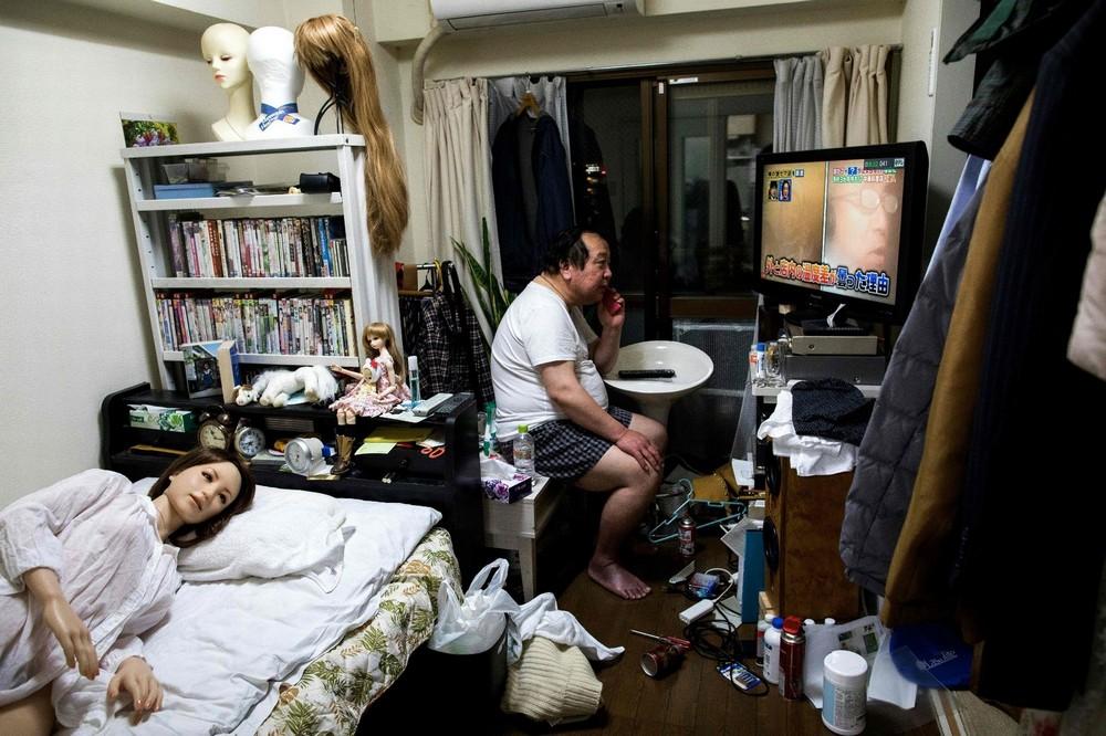 Японские мужчины все чаще предпочитают резиновых женщин вместо настоящих