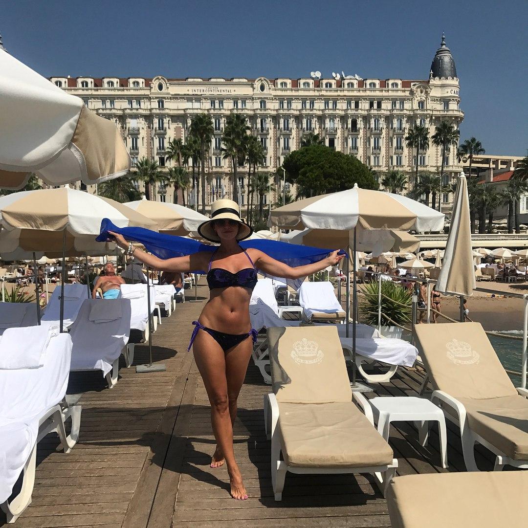 Анастасия Макеева в бикини