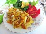 Жареный картофель с морковью и луком