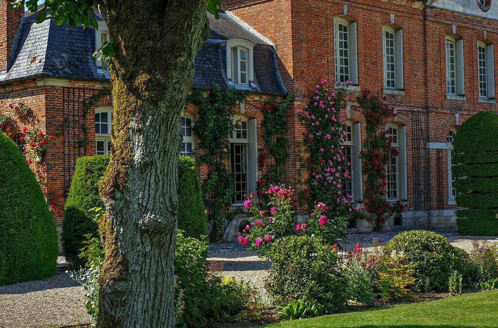 Roseraie_chateau_Mesnil_Geoffroy03.jpg