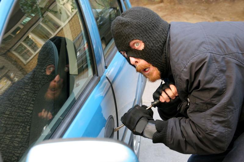 Мы собрали 10 ошибок , подставляющих автовладельцев под удар преступников. 1. Покупка автохлама.