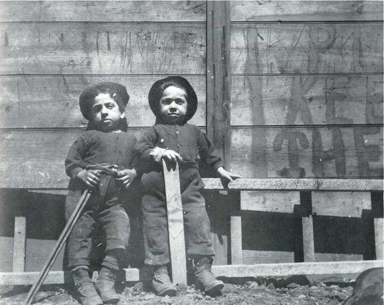 Мальчики из Итальянского квартала.