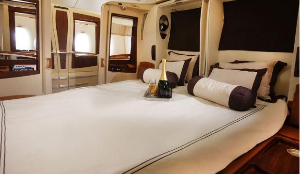 Место для сна от Singapore Airlines. Если Вы путешествуете со второй половинкой, Вам больше не нужно