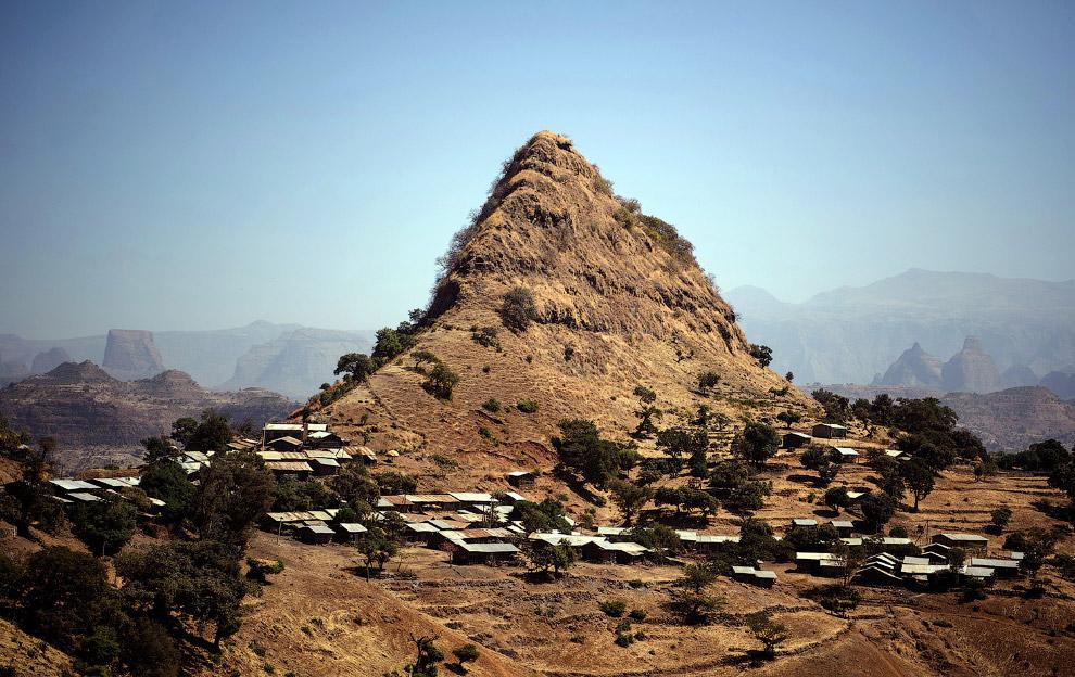7. Эфиопия — самое населённое в мире государство без выхода к морю. Хотя до Красного моря близк