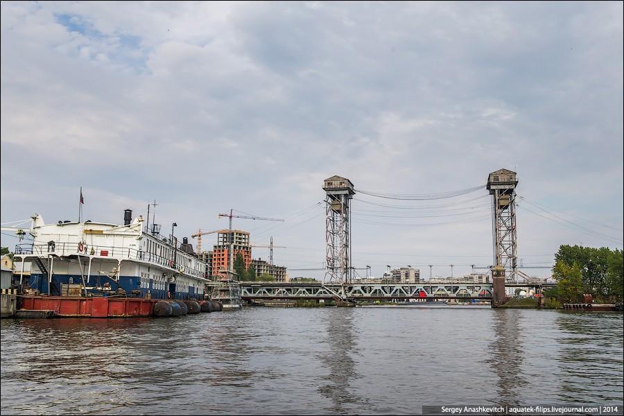 28. Двухъярусный мост, соединяющий северный и южный берега реки Приголя. Мост, как следует из назван