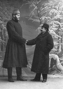 Участник чемпионата Г.Кащеев (слева).