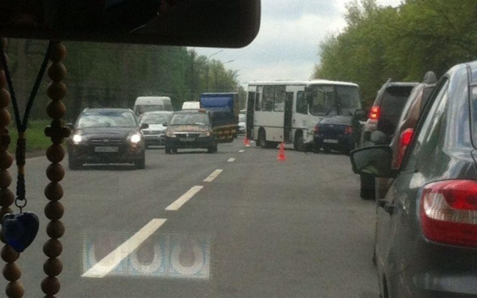 ВПетербурге наКрасносельском шоссе в«лобовом» ДТП пострадала женщина