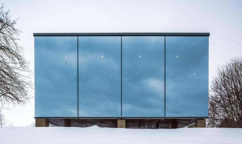 Beautiful Mirror Hotel Room in Estonia (9 pics)