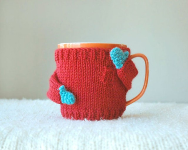 Adorable Knits Sweaters for Your Coffee Mugs
