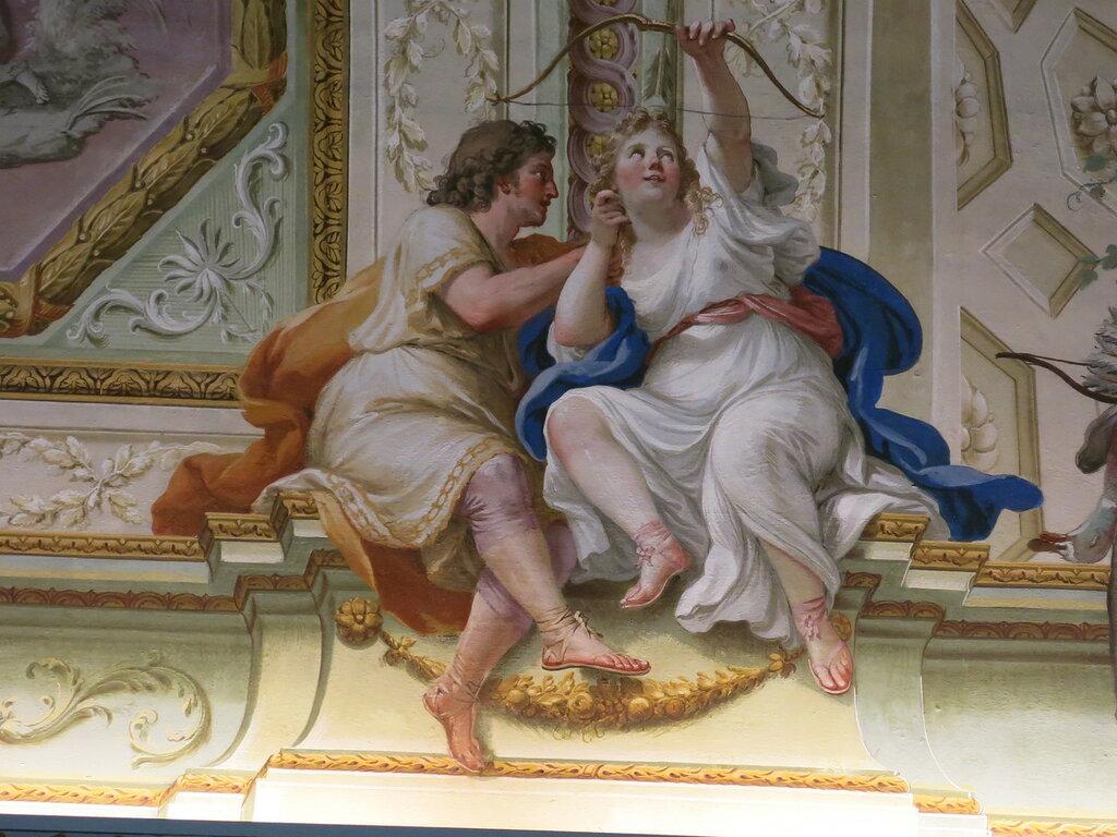 Caserta,_la_reggia_(18604113054).jpg
