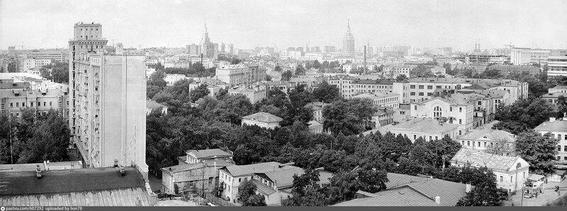 607292 Вид от Спартаковской улицы в сторону Комсомольской площадь.jpg