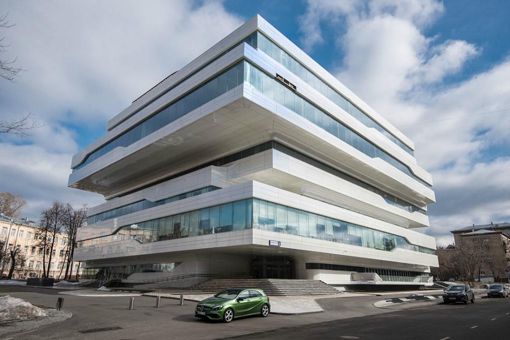 Бизнес-центр архитектора Захи Хадид продается… Большая распродажа недвижимости стартовала!.jpg