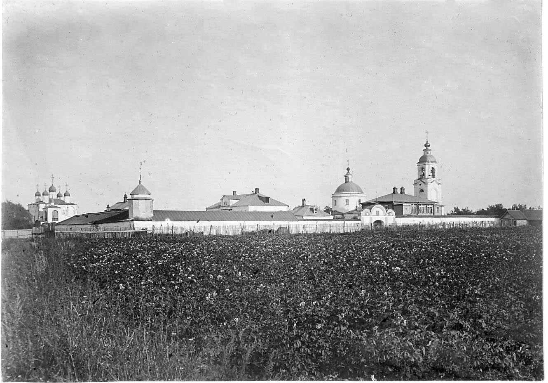 Окрестности города. Льговский монастырь