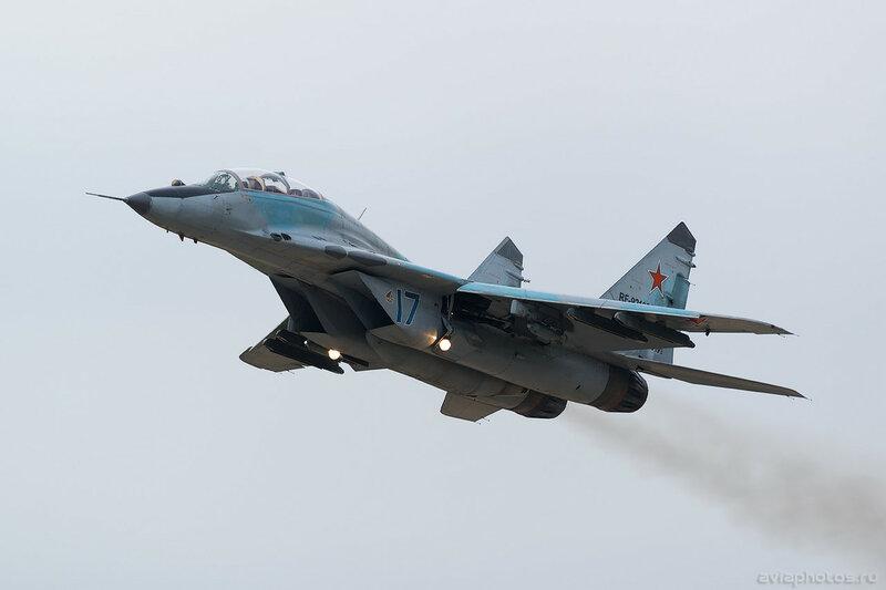 Микоян-Гуревич МиГ-29УБ (RF-92139 / 17 синий) ВКС России 0208_D805926