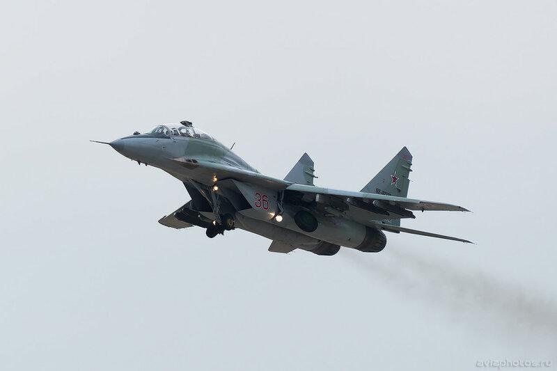 Микоян-Гуревич МиГ-29УБ (RF-92270 / 36 красный) ВКС России 0158_D805876