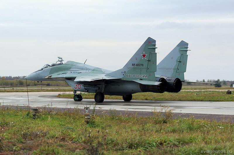 Микоян-Гуревич МиГ-29УБ (RF-92270 / 36 красный) ВКС России 0136_D805854