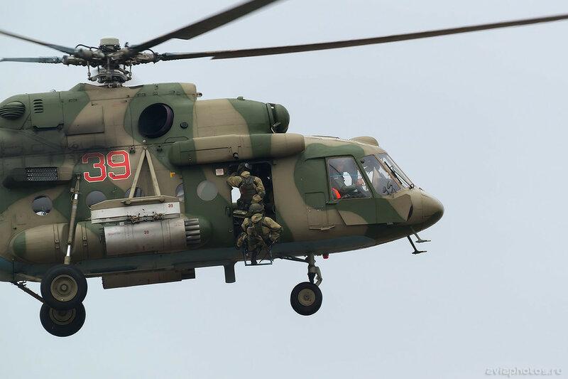 Миль Ми-8МТВ-5 (RF-24774 / 39 красный) ВКС России 0397_D806072