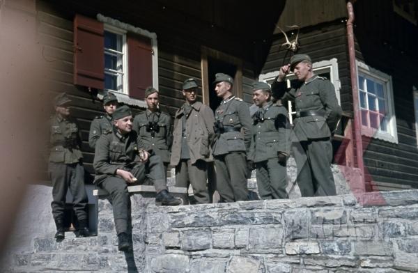 stock-photo-gebirgsjager-binoculars-edelweiss-norway-summer-1942-jacket-9674.jpg