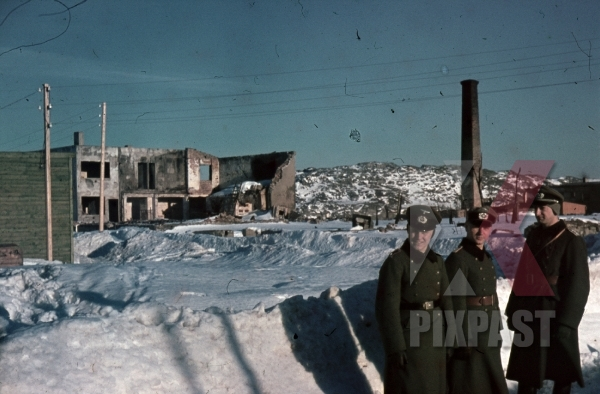 stock-photo-ww2-norway-color-3-german-wehrmacht-officers-with-ear-protection-bombed-destroyed-houses-norway-winter-1940-8008.jpg