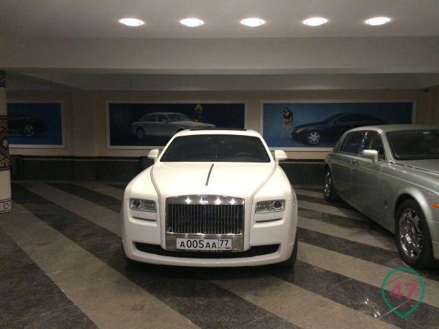 0 182de3 6d592732 orig - А что тут делает Форд Фокус? - автоколлекция министра Дагестана
