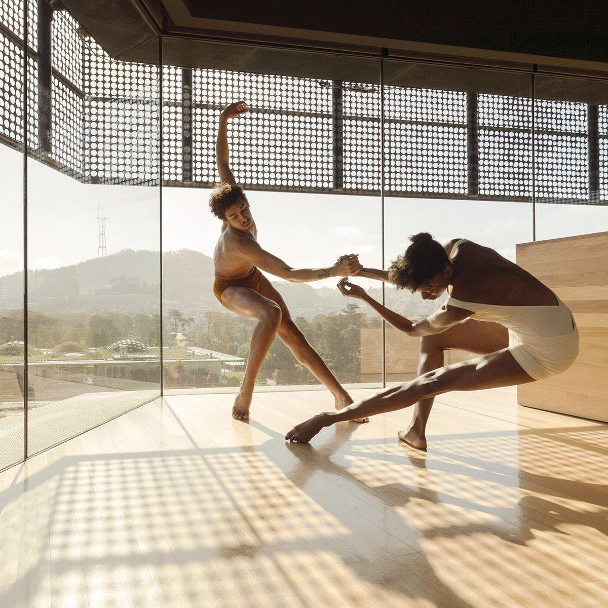 Проект Cameras and Dancers: хорошему танцору гравитация не мешает
